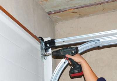 Overhead Door Repair in Barrie, Ontario